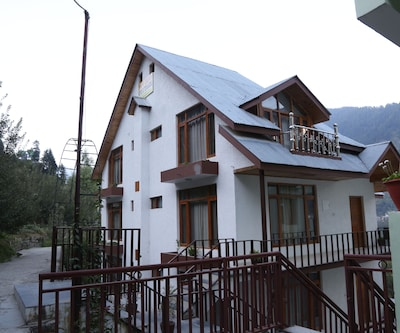 Snow Crown Cottage,Manali