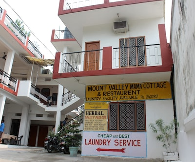Mount Valley Mama Cottage & Restaurant,Rishikesh