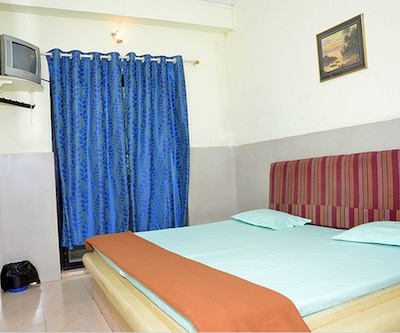 Raunak Guest House, none,
