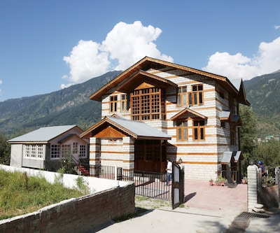 Aroma Cottages,Manali