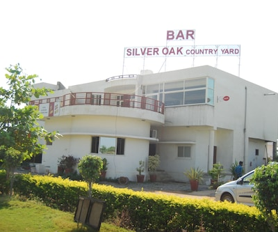 Silver Oak Country Yard,Mount Abu