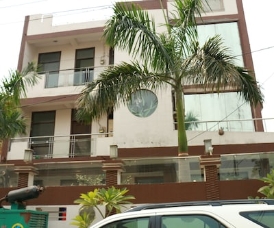 Blue Rose India Accommodation,Noida
