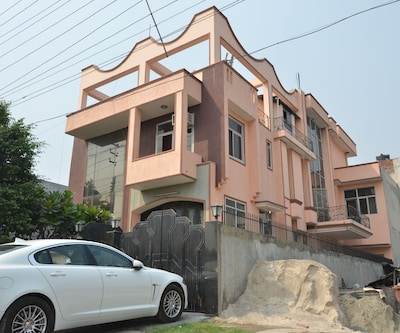 Sweet Home Guest House,Noida