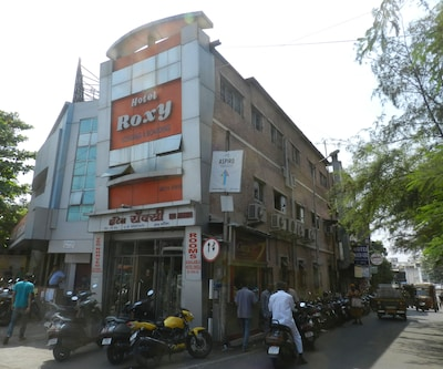 Hotel Roxy Lodging And Restaurant,Pune