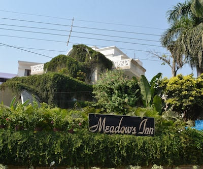 Hotel Meadows Inn,Lucknow