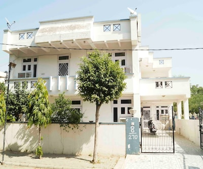 Royal City Guest House,Jaipur