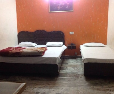 Puri Guest House,Amritsar