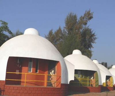 Beach Resort Igloo House,Ratnagiri