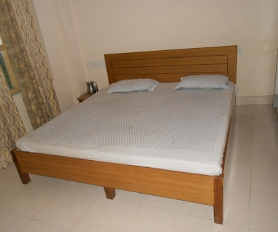 Hamilton Aamer Hotel, Jalandhar By Pass Road,