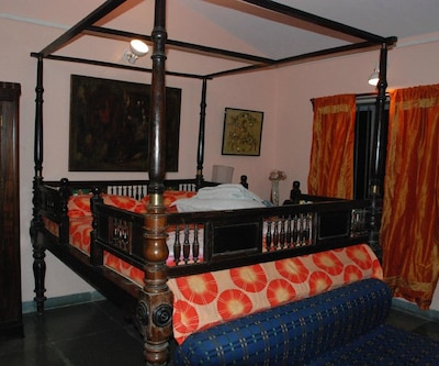 Hotel Aurodhan Heritage Guest House,Pondicherry