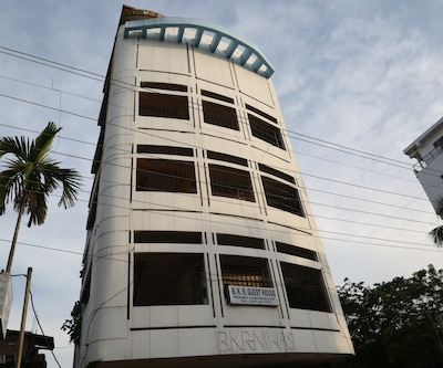TG Stays Opp Apsara Cinema Hall,Guwahati