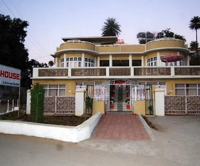 Lake Inn,Mount Abu