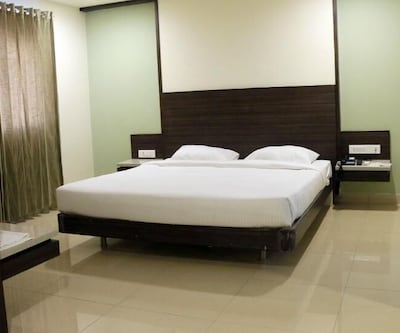 Hotel Land Mark,Coimbatore