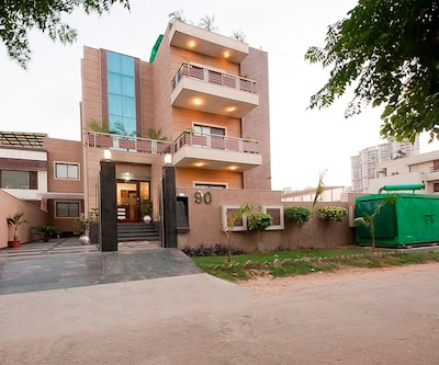 Royal Residence Golf Course Road,Gurgaon