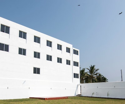 Ganesh Beach Resort,Pondicherry