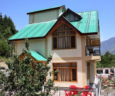 Sehjal Cottage,Manali