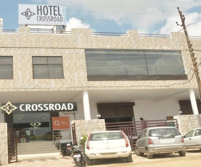 Hotel Cross Road,Lucknow