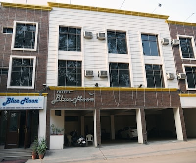 Hotel Blue Moon,Chandigarh