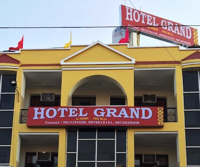 Hotel Grand Regal Madhya Marg,Chandigarh