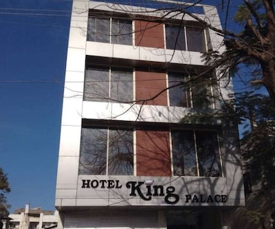 Hotel King Palace, Dewas Road,