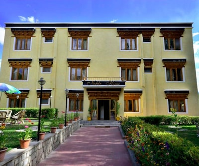 Noble House,Leh