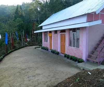 TG Stays Rishi Road,Kalimpong