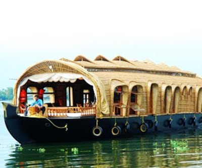 Benbow Houseboat,Alleppey