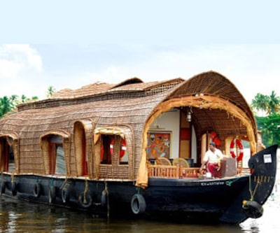 Adams River Cruise,Alleppey