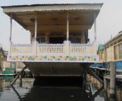 New Lex Crown Houseboat,Srinagar