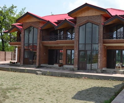 Mayfair Hotel and Resorts,Srinagar