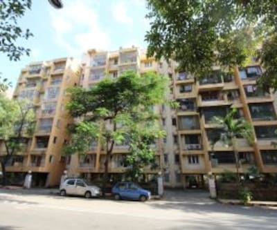 Aura Executive Malad