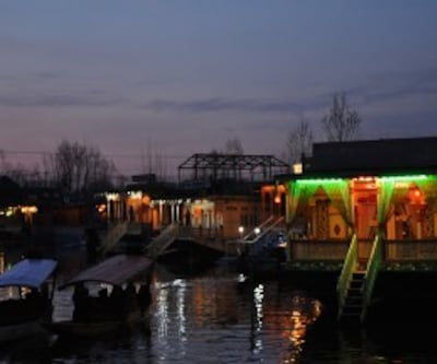 Morning Glory Houseboat,Srinagar
