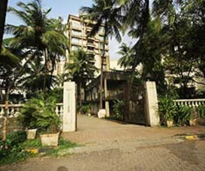 TG Stays Hiranandani Garden