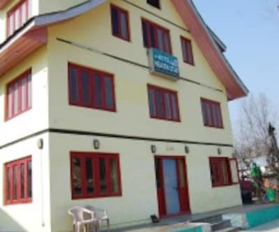 Hotel Heaven Star,Srinagar
