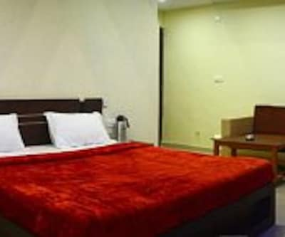 Hotel Royal Hill,Gandhinagar