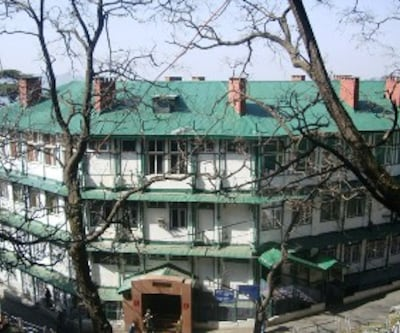 Hotel Samrat SS The Mall,Shimla