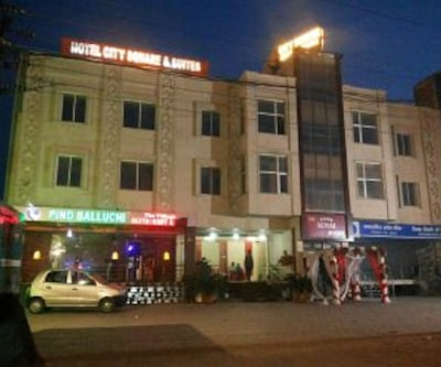 Hotel City Square and Suites, Fatehabad Road,