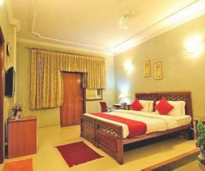Hotel Mayarch,Gurgaon
