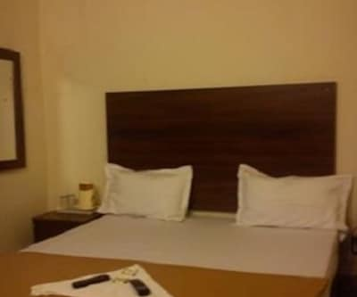 Hotel Manikanta Lodge,Hyderabad