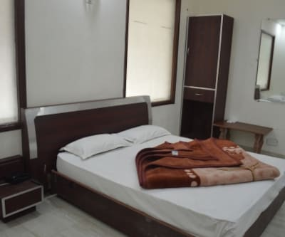Hotel Paras Regency, Near Bus Stand,