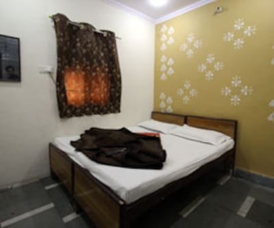 Yes Sir Guest House, Paharganj,