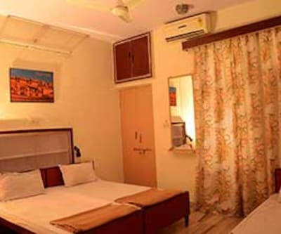 Shree Radhey Guest House, Tonk Road,