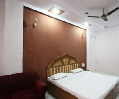 Hotel Chanakya, Shaid Nagar Crossing,