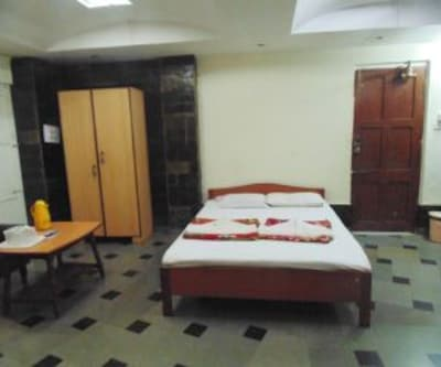 Double Bed Non AC Room - Room only, https://imgcld.yatra.com/ytimages/image/upload/c_fill,w_400,h_333/v1467523143/Domestic Hotels/Hotels_Goa/Campal Beach Resort/Double Bed Non AC Room/Double_Bed_Non_AC_Room_JEM7Mt.jpg