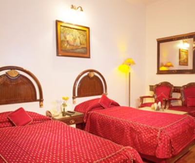 Hotel Deep Palace, Cantt Road,