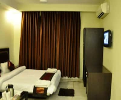 Hotel Apra International, Karol Bagh,