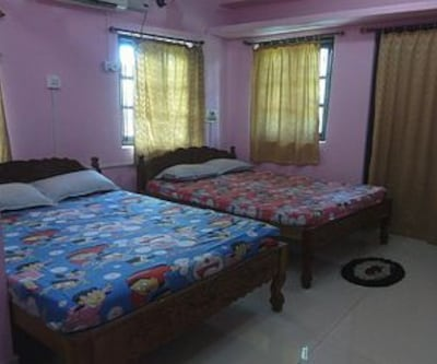 Non AC Semi-Deluxe Room (With Balcony), https://imgcld.yatra.com/ytimages/image/upload/c_fill,w_400,h_333/v1467527968/Domestic Hotels/Hotels_Port Blair/Hotel Sheetal/Standard A/C Room/Standard_A/C_Room_9zhKee.jpg