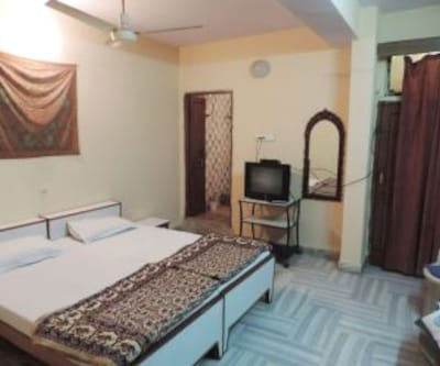 Hotel Rose Palace, Subhash Nagar,