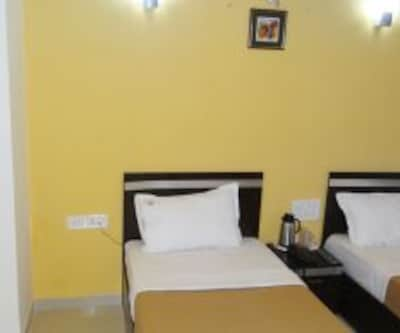 Hotel Linear Inn, A.B.Road,