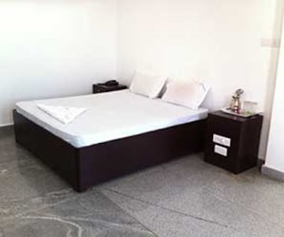 Hotel Amutham Residency, Main Road,